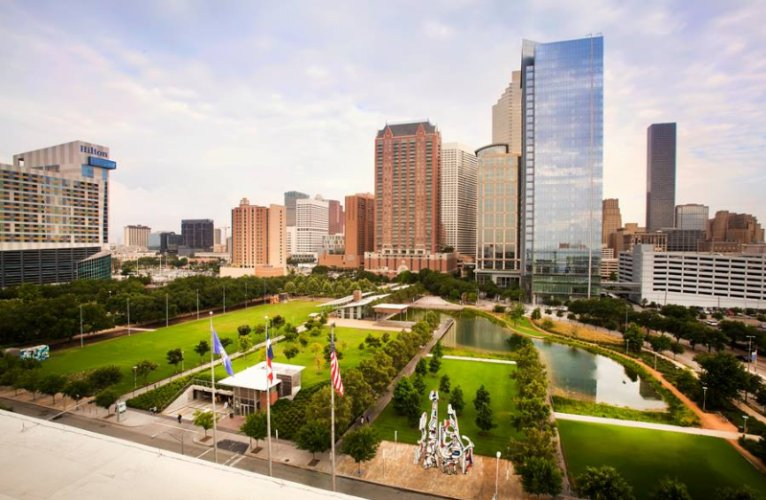 Located Directly Across The Street From Discovery Green 12-Acre Urban Park With 1-Acre Kinder Lake 26 of 31