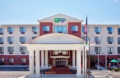 Holiday Inn Express & Suites Ocean Springs 1 of 6