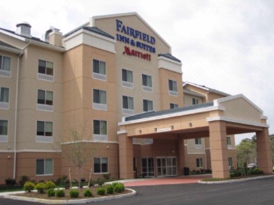 Fairfield Inn & Suites 2 of 7
