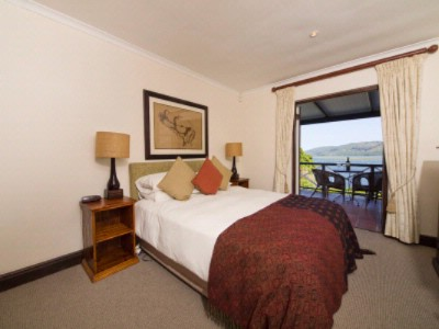 Superior Room With Lagoon View 4 of 16