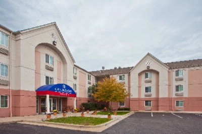 Candlewood Suites Warren 1 of 7