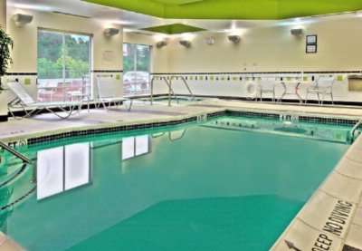 Relaxing Indoor Pool And Spa 4 of 10