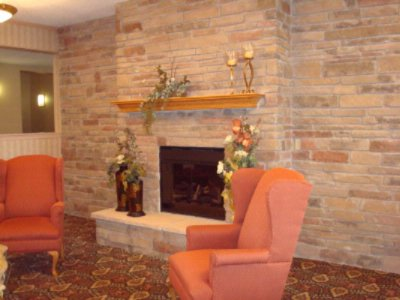 Best Western Macomb Inn Guest Lobby 8 of 9