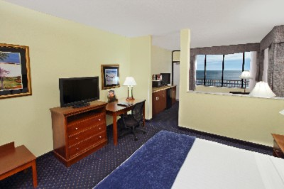 Best Western Cocoa Beach Hotel & Suites -King Room Ocean View Tower-Jr. Suite 14 of 15