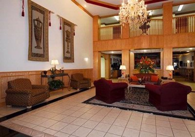 Comfort Suites Lobby 3 of 20