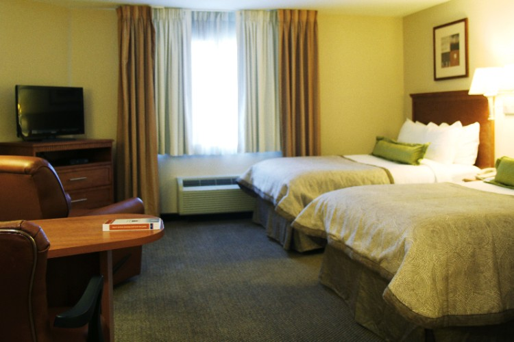 Candlewood Suites Sulphur 1 of 3