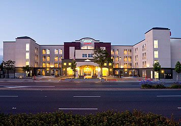 Fairfield Inn & Suites San Francisco Airport 1 of 16