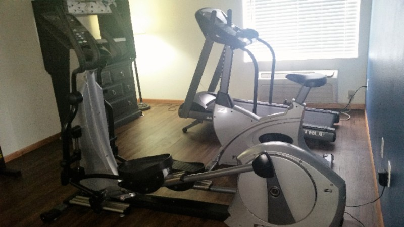 Catch A Quick Work Out In Our Fitness Room 8 of 10