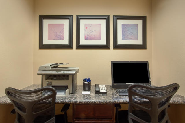 Enjoy Our Complimentary Business Center 8 of 19