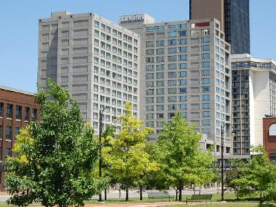 Park Inn by Radisson Toledo Convenient Downtown Location With 400 Comfortable Rooms & Suites.