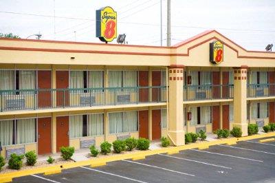 SUPER 8® JACKSONVILLE DOWNTOWN AREA - Jacksonville FL 2228 ...