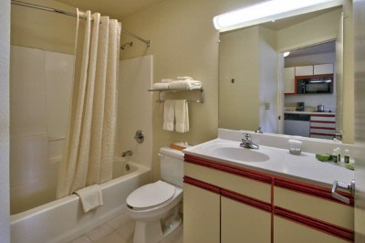 Private Bathroom 13 of 18