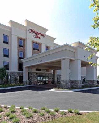 Hampton Inn Yorkville 1 of 13