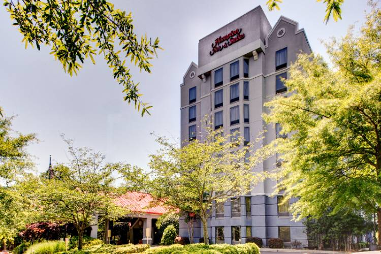 Hampton Inn & Suites Atlanta / Duluth 1 of 16