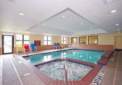 Indoor Pool & Hot Tub 4 of 8