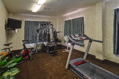 Fitness Room 8 of 17