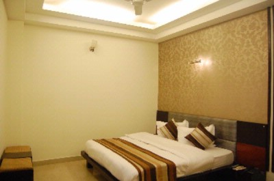Executive Room 4 of 9