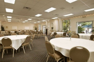 Banquet Room 10 of 14