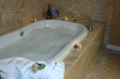 Jacuzzi Tubs Inside The Luxury Suite 4 of 13