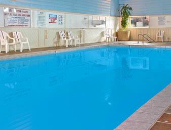 Pool At The Days Inn Wauwatosa 10 of 10