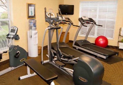 Fitness Room 10 of 10