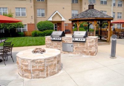 Courtyard Area With Firepit Grills Sport Court Pool And Spa 3 of 10