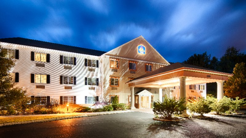 Best Western Plus Berkshire Hills Inn & Suites 1 of 6
