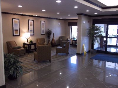 Lobby Across From The Front Desk 19 of 20
