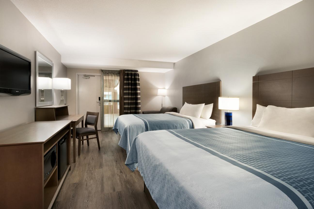 Travelodge hotel saskatoon saskatoon sk 106 circle west s7l4l6 travelodge hotel saskatoon 106 circle dr west saskatoon sk s7l4l6 colourmoves