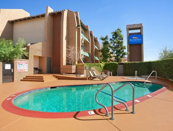Camarillo Executive Inn & Suites 1 of 13
