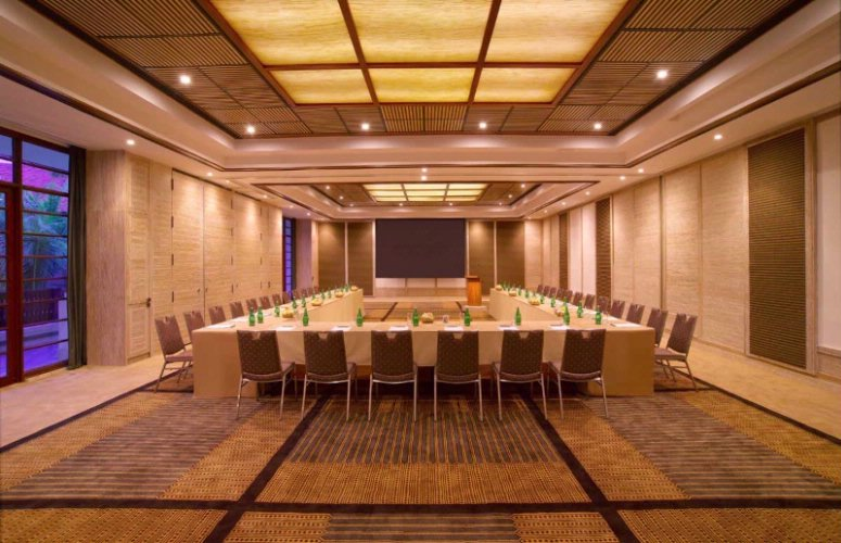 Meeting Room 7 of 9