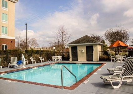 Outdoor Pool With Sundeck 16 of 18