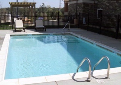Outdoor Pool With Picnic/grill Area 6 of 10