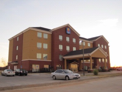 Comfort Inn & Suites 1 of 7
