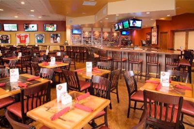 Shoeless Joe\'s Sports Cafe Always A Hit! 9 of 19