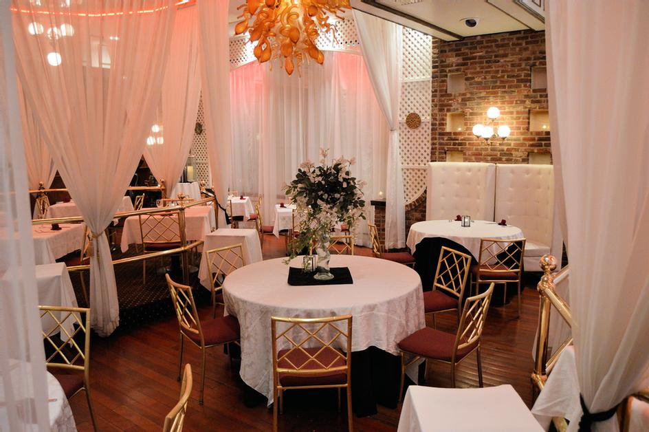 Oyster Restaurant Seafood & Steakhouse -Dining Room 16 of 17