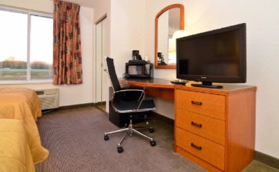 Work Station In All Rooms At The Sleep Inn & Suites Lebanon Tn 14 of 14