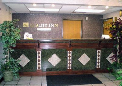 Front Desk 5 of 10