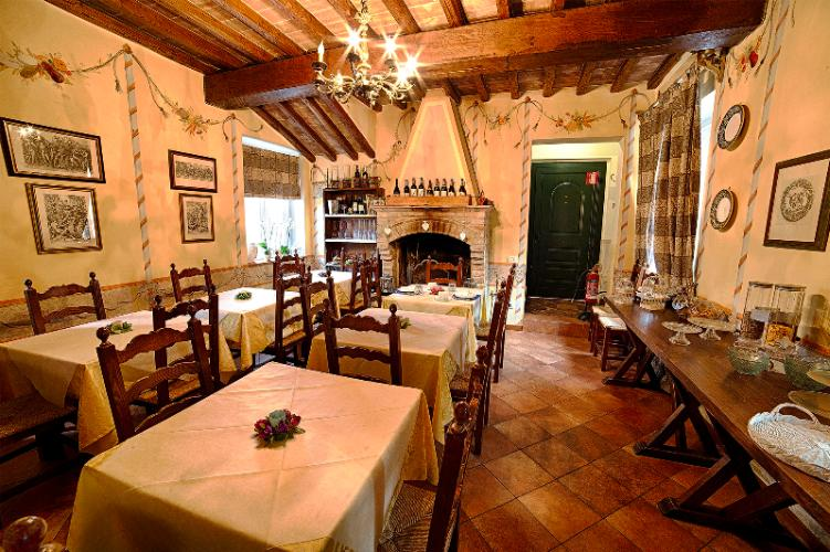 Villa Sobrano Country House -Dining Aerea 14 of 15
