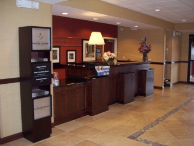 Front Desk 5 of 31