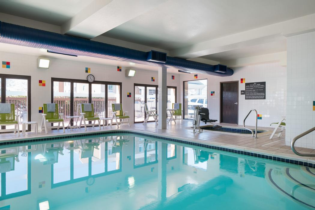 Indoor Swimming Pool And Spa 5 of 11