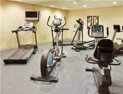 Fitness Room 7 of 20