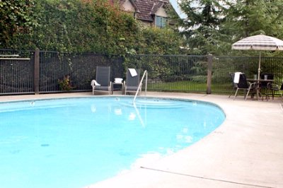 Outdoor Seasonally Heated Pool 8 of 14