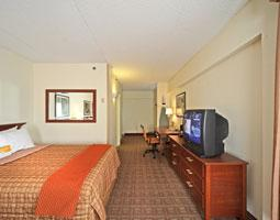 Room W/ 2 Dbl Beds 4 of 9