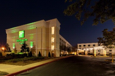 Image of Holiday Inn & Suites Atlanta Airport North