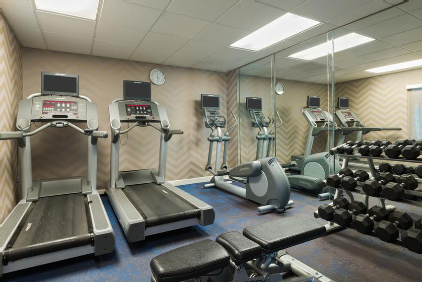 Fitness Center 18 of 22