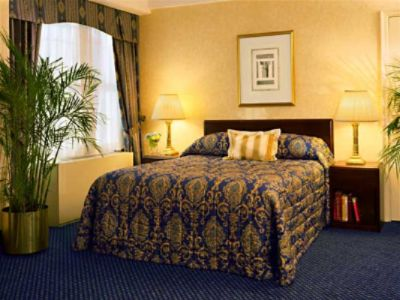 Room With A Queen Bed 3 of 7
