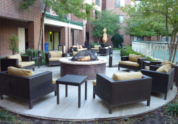 Outdoor Living Area/courtyard 5 of 13
