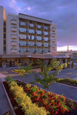 Coast Capri Hotel 1171 Harvey Ave Kelowna Bc V1y6e8