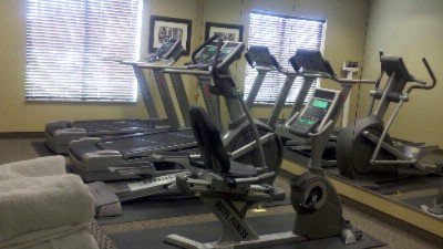 Fitness Center 13 of 16